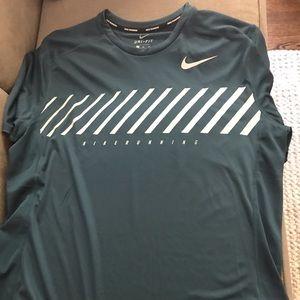 Men's NWT Nike Dry running shirt XL